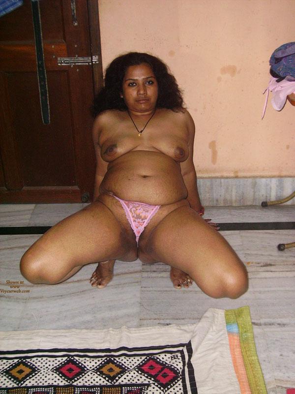 aunty bathing in open