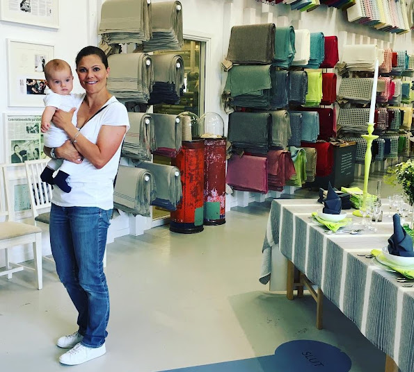 Crown Princess Victoria and her son Prince Oscar visited Växbo Linen Mill, Quality and style, Organic Textile, Native Organic Napkins, Native Organic Potholder