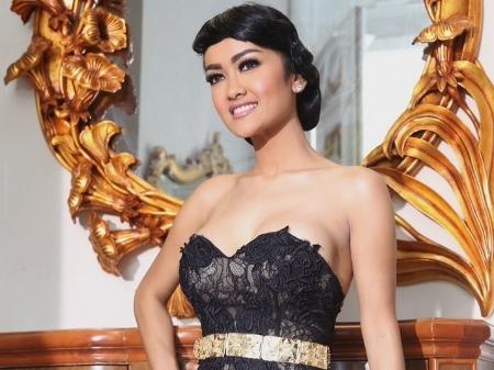 INILAH DERETAN ARTIS INDONESIA DENGAN UKURAN PAYUDARA