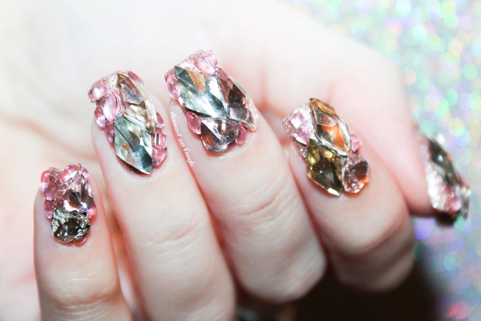 Diamant sur l 39 ongle ongles en 3d nailstorming - Nail art discret ...
