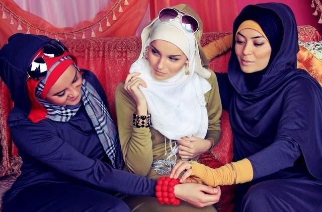 https://3.bp.blogspot.com/-dkH6s64EQck/WHYFg2x4WoI/AAAAAAAAB8s/r2NYq7ngw1olIsilPgjoxXK853hNl3OtQCLcB/s400/Menurut-Nabi-Muhammad-Ini-Kriteria-Busana-yang-Baik-Untuk-Wanita-Muslim.jpg