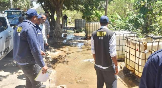 Como una forma de contribuir a prevenir el desperdicio de agua ante la sequía que afecta el país, la Alcaldía de Santo Domingo Este realizó un amplio operativo contra los lavaderos improvisados de vehículos, en el que se incautó de tinacos, maquinas lavadoras, tanques y cubetas.