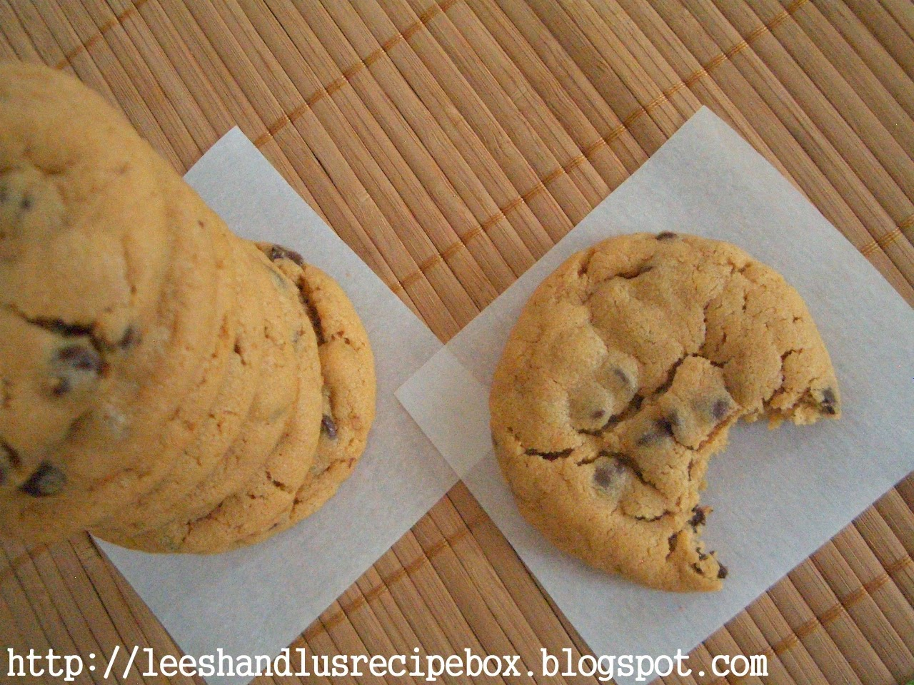 {Thick & Soft} Peanut Butter Chocolate Chip Cookies | Leesh & Lu's Recipe Box