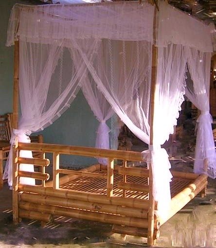 How To Use A Four Poster Bed Canopy To Good Effect: Quality Bamboo And Asian Thatch: Bamboo Bed-Adorn Natural