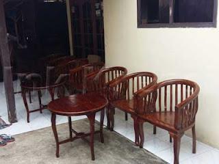Meja-dan-Kursi-Betawi-01