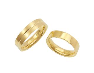 銀座ジュエリーサロンにてカスタマイズマリッジリング(結婚指輪)を作る。