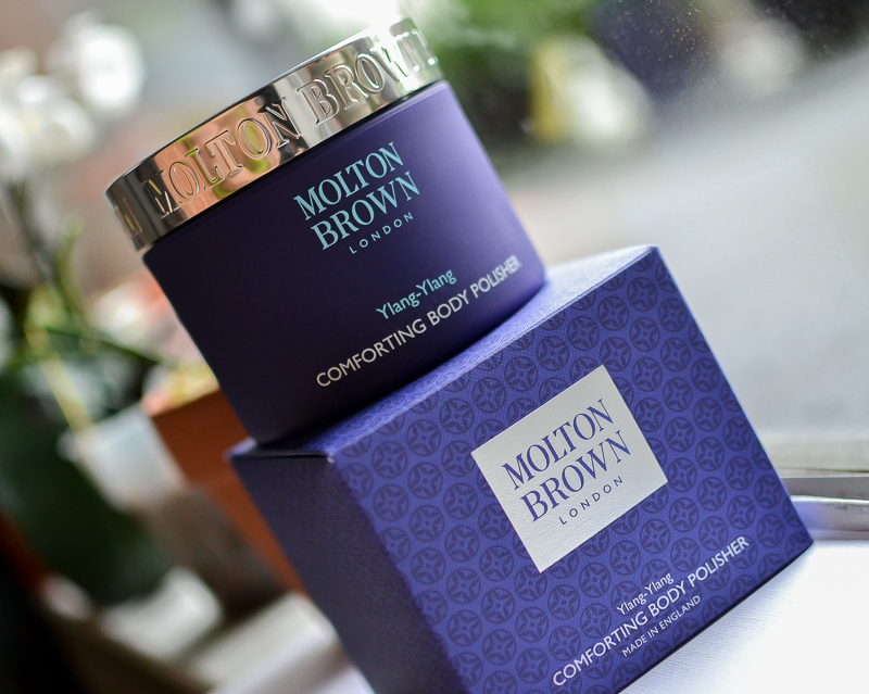 Molton Brown Comforting Body Polisher Scrub with Vanilla Ylang-Ylang Sugar Olive Oil - Review