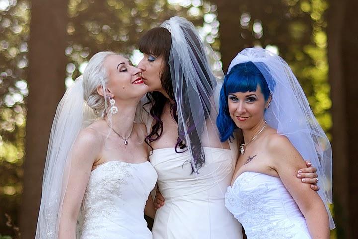 Lesbian Married Women 102