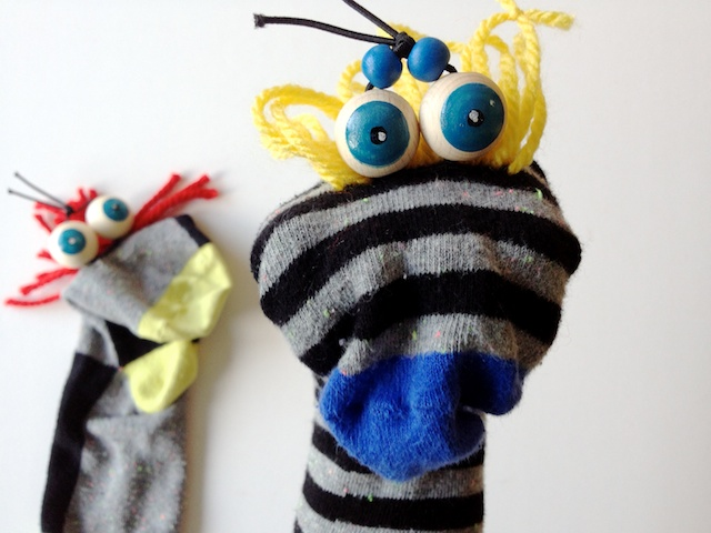 Bevorzugt schaeresteipapier: Handpuppen mit Socken und Kulleraugen IM78