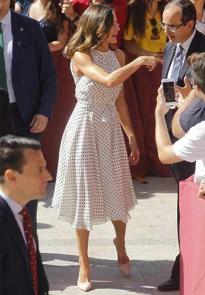 Queen Letizia of Spain visited the city of Bailen in occasion of the 210th anniversary of the Bailen Battle. Carolina Herrera Silk dress