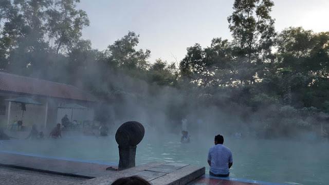 Tempat wisata hits Banyu Panas Palimanan cirebon