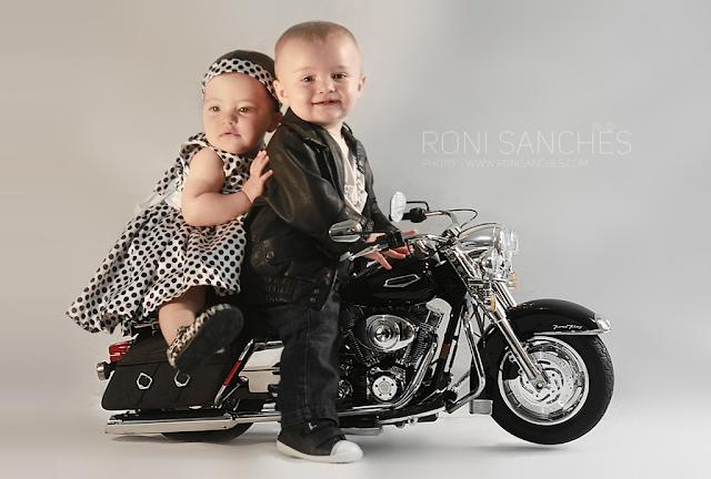 Bebês gêmeos em sessão fotográfica de Book Bebê