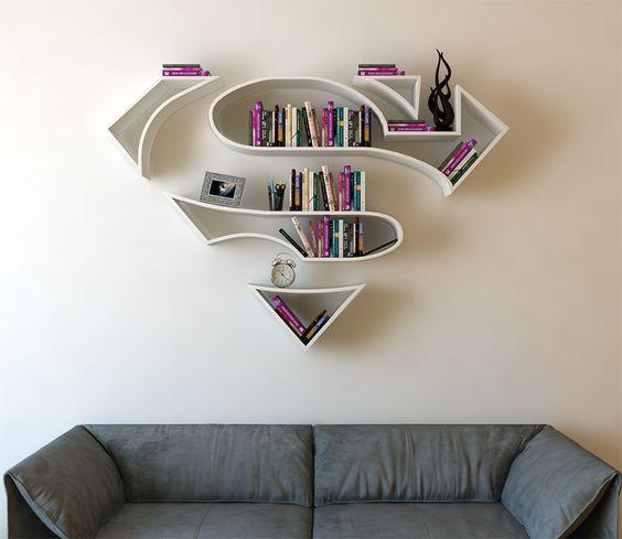 グミのシャンデリア?感性を刺激するクリエイティブな家具#2・9選【a】 スーパーマンの様な本棚
