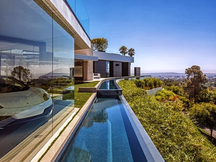 Lake around the Perfect modern mansion in Beverly Hills