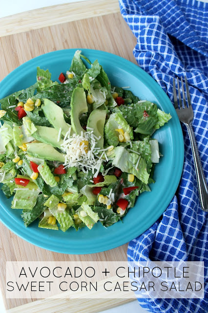 SO GOOD! Super easy vegetarian recipe: avocado + chipotle + sweet corn caesar salad