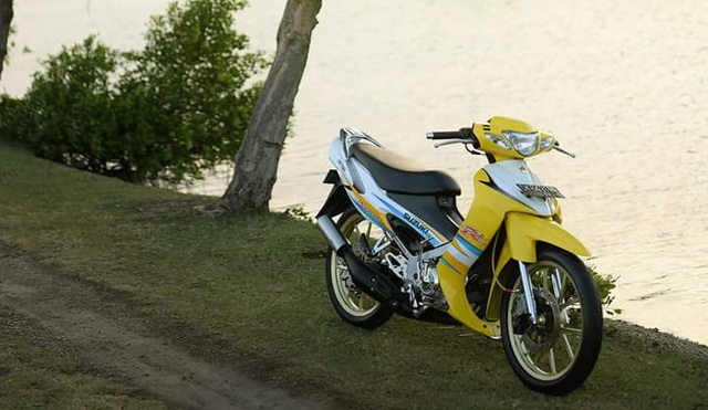 Motor Lawas Yang Menawan Suzuki  Satria  2 Tak