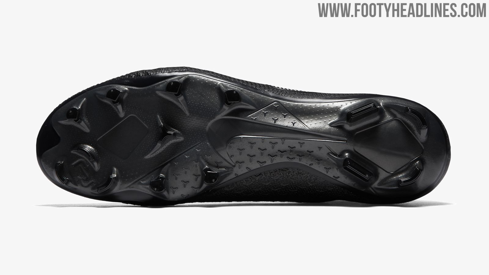 0ad13b510 Blackout Nike Phantom Vision Elite Stealth Ops Boots Released ...