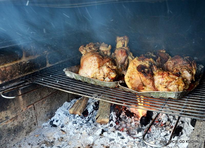 golonka, grill, golonka pieczona, golonka pieczona na grillu, przepisy grillowe, co na grill, danie z grilla, golonka w piwie, malosolne, sloj ogorkow, blog, zycie od kuchni