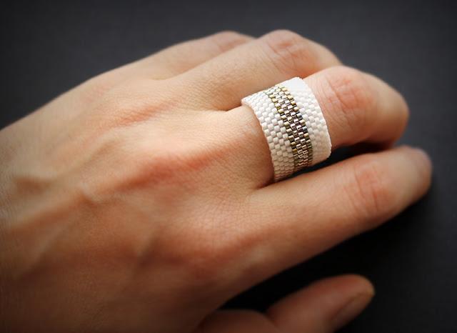 новые стильные кольца купить интернет магазин изделий из бисера ручной работы