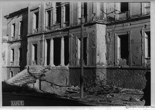 Εικόνες της βομβαρισμενης Λάμιας το 1941 κατά τον Β' Παγκόσμιο Πόλεμο [photos]