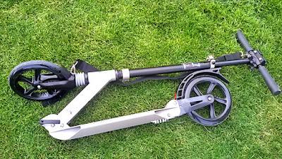 скутер тротинетка за по-големи възрастни на две колела откъде