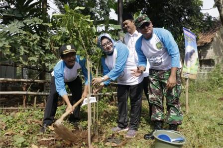 Peringati Hari Lingkungan Hidup, Plt Bupati Subang Lepas Burung