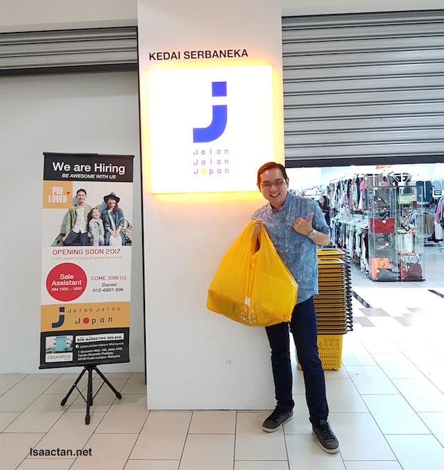 """With my """"spoils of war"""", at Jalan Jalan Japan, 1 Shamelin Mall Cheras"""