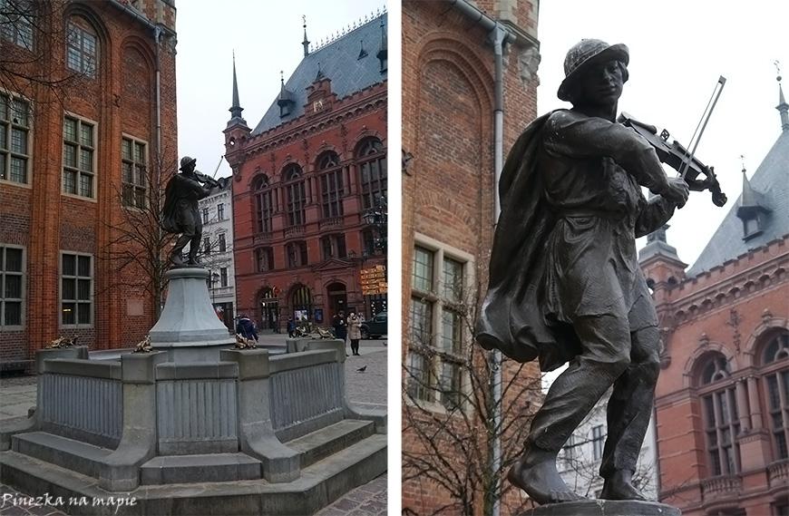 pomnik Flisaka w Toruniu