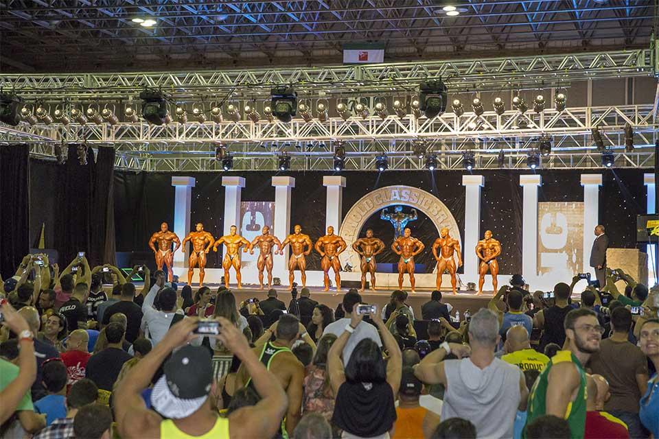 Atletas de Bodybuilding profissional no Arnold Classic Brasil 2015. Foto: Divulgação