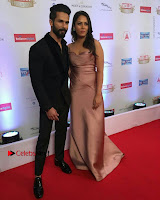 Celebs On Red Carpet Of Hello Hall Of Fame Awards  0019.jpg