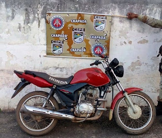 Cipe Chapada recupera moto roubada