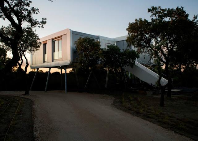 แบบบ้านสองชั้นทรง UFO