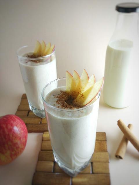 Apple Pie Smoothie | Apple Cinnamon Milkshake