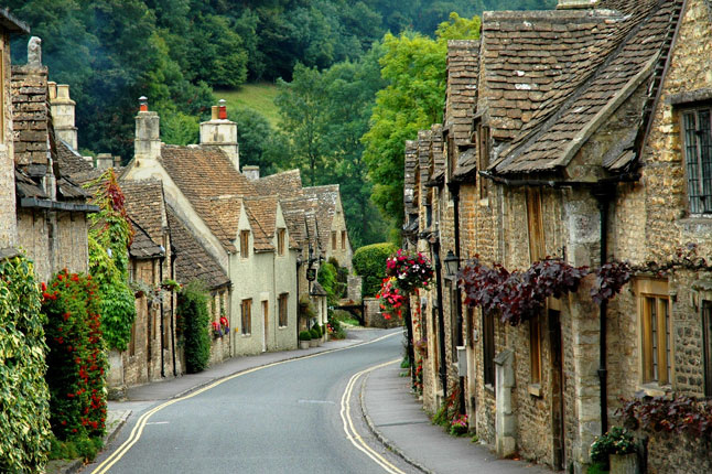 The rest of the town is equally charming. Image via oneforthe-road.blogspot.com.