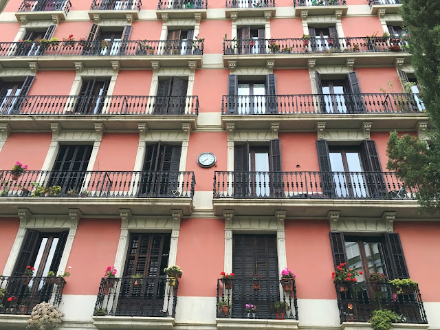 Pretty Pink Spanish Homes in Barcelona