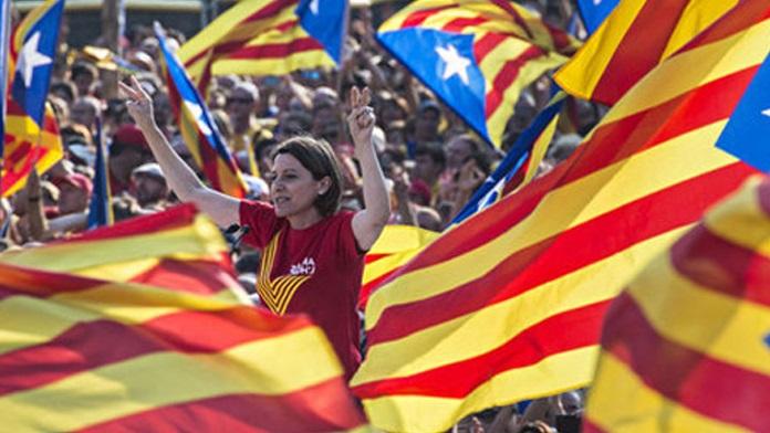 La Catalogna chiede l'indipendenza dalla Spagna con un referendum