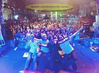 Biografi Dan Profil HOOLAHOOP Band Bandung