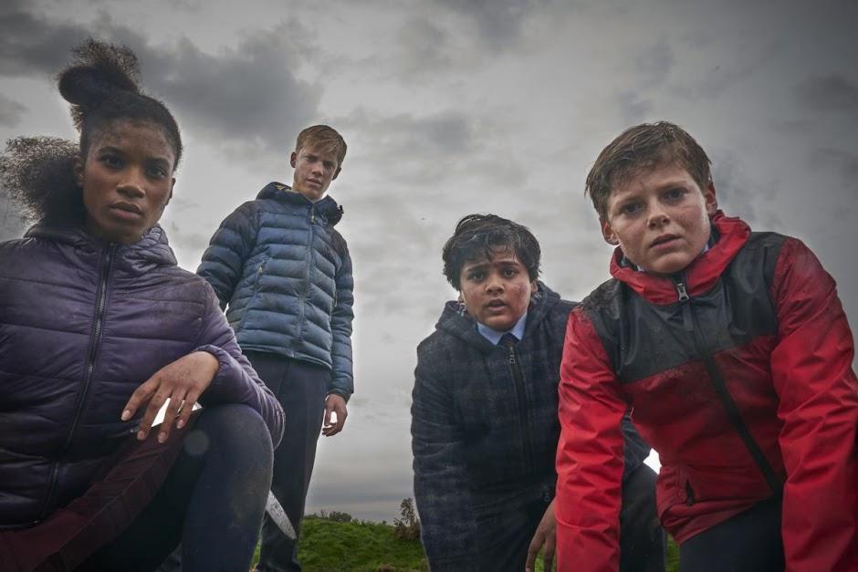 """Crianças lutam contra o mal no trailer da fantasia """"O Menino Que Queria Ser Rei"""""""