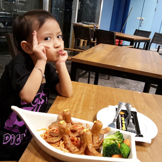 Lepak Makan di The Manhattan Fish Market Shah Alam Mall