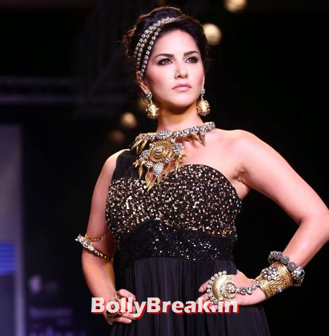 , Sunny Leone hot images from IIJW Fashion Show