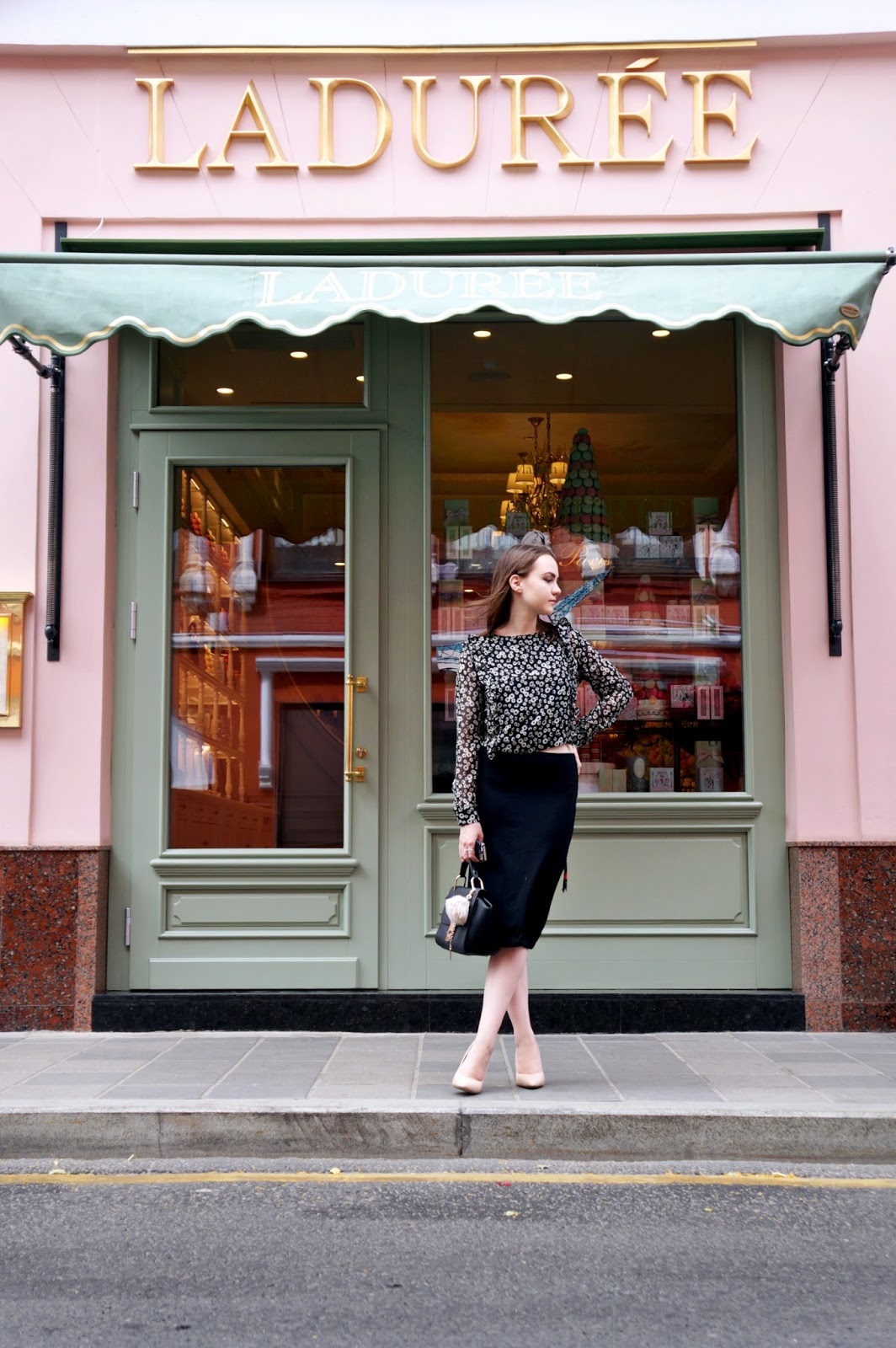 Fashion Blogger | Laduree Moscow