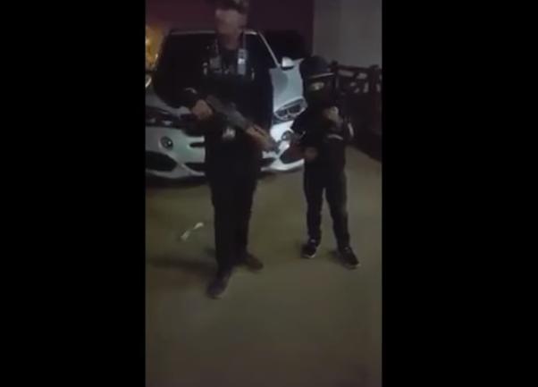 "VIDEO, ""El Chanito de Culiacán"" rival de ""El Pirata de Culiacán"" desafía a El Mencho líder del CJNG con rifle en mano a mi me pela la verga..a"