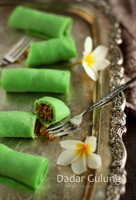 Indonesian food - Dadar Gulung (Pancake Rolls with Coconut Filling)