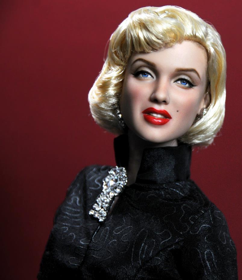 lady hollywood  artista noel cruz recria bonecos perfeitos de atores e atrizes antigos