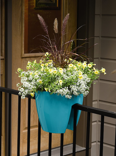 Self-watering rail planter via Gardeners.