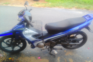 Gambar motorsikal