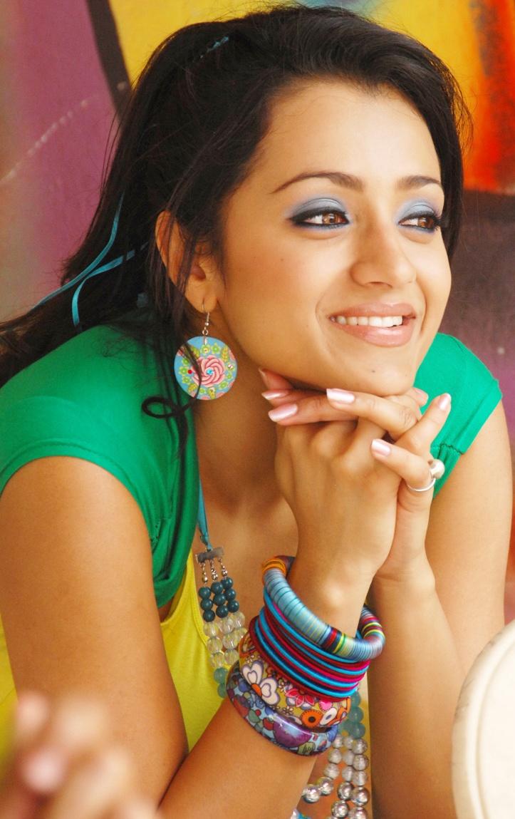 Trisha-Krishnan-Latest-Hot-Sexy-Images-Teen-Maar-Telugu -2628