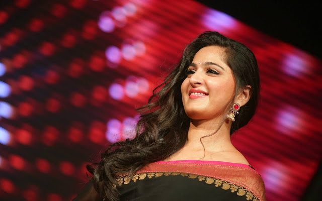 anushka shetty saree photos