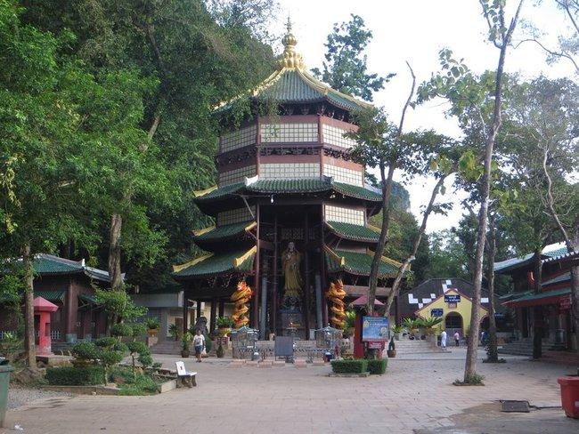 Буддийское сооружение в китайском стиле