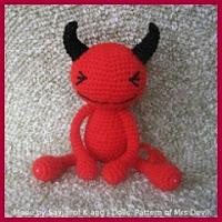 pequeño demonio amigurumi